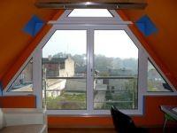 okno trójkąt