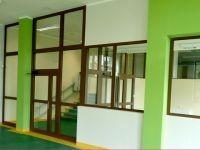 okna korytarz
