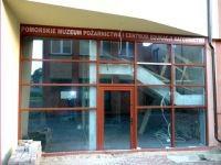 okna budynek komercyjny
