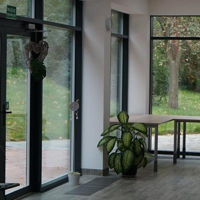 okna w budynku 6